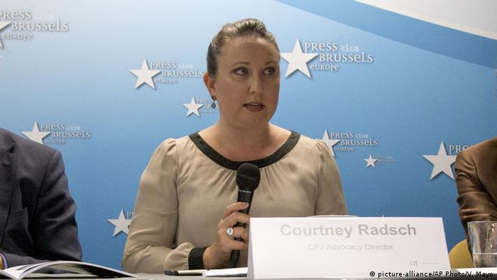 Courtney Radsch vom Committee to Protect Journalists (Foto: picture-alliance/AP Photo/V. Mayo)