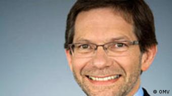 راينهارد ميچك، رئيس پروژه خط لوله نابوكو ميگويد، مخالف پيوستن هيچ كشورى تامين كندهى گاز به اين پروژه نيست.