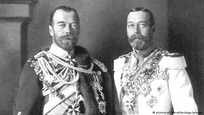 Czar Nicolau 2º da Rússia com o rei George 5º da Inglaterra em foto de 1913