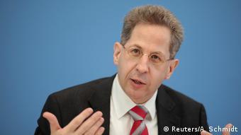 Deutschland Vorstellung des Verfassungsschutzberichts 2016 (Reuters/A. Schmidt)