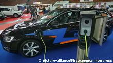 Deutschland Volvo V60 Plug-in-Hybrid bei der International Motor Show in St. Petersburg 2015