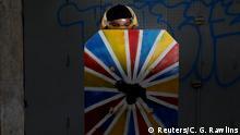 Venezuela Protestierende mit Schildern