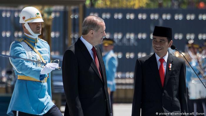 Türkei Joko Widodo bei Erdogan (picture-alliance/abaca/E. Gurun)