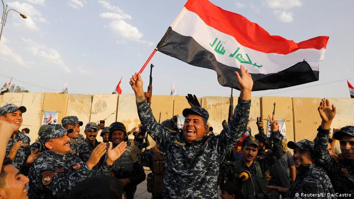 Iraqi federal police celebrate military operations in Mosul