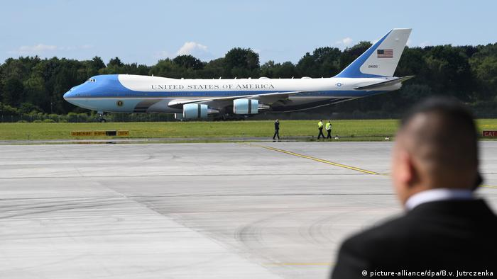 G20 Gipfel in Hamburg | Donald Trump US-Präsident, Air Force One (picture-alliance/dpa/B.v. Jutrczenka)
