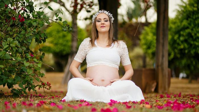Schwangere Frau / von AFD benutztes Motiv