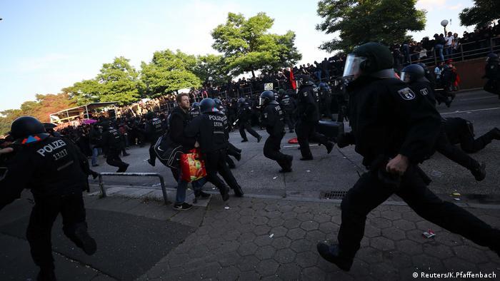 УГамбурзі акція протесту проти саміту G20 переросла в бійку