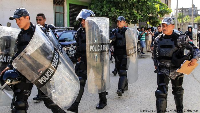 National police in Acapulco dealing with prison disturbances