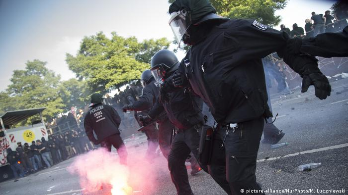 Deutschland | G20 Welcome to Hell (picture-alliance/NurPhoto/M. Luczniewski)