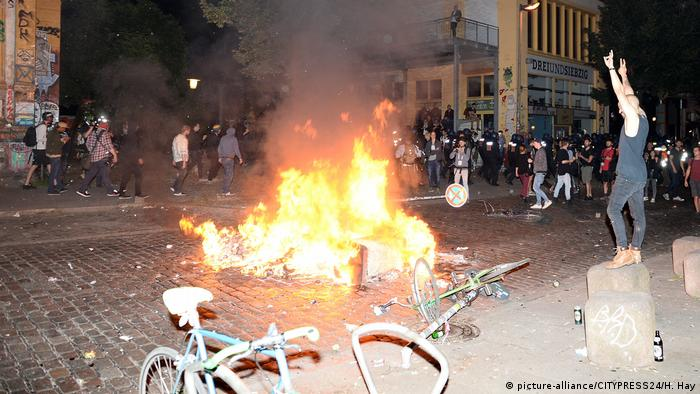 Deutschland | G20 Welcome to Hell (picture-alliance/CITYPRESS24/H. Hay)