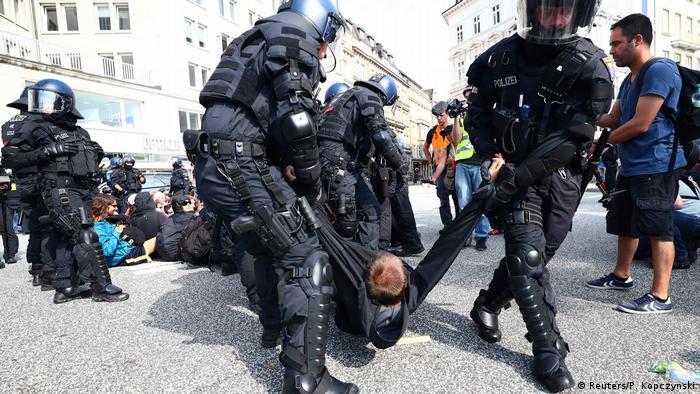 Deutschland G20 Proteste in Hamburg (Reuters/P. Kopczynski)