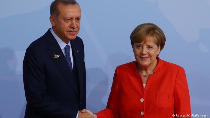 Erdoğan ile Merkel telefonda görüştü