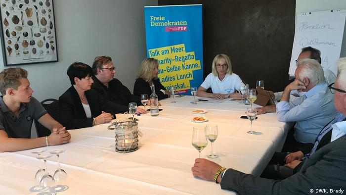 Annette Marberth-Kubicki chairs a local FDP meeting in Strande