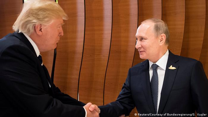Deutschland G20 Trump mit Putin in Hamburg (Reuters/Courtesy of Bundesregierung/S. Kugler)