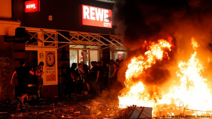 A fire outside a supermarket in Hamburg
