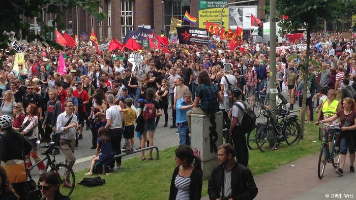 G20 Gipfel in Hamburg | Demonstration Willy-Brandt-Straße (DW/J. Witt)