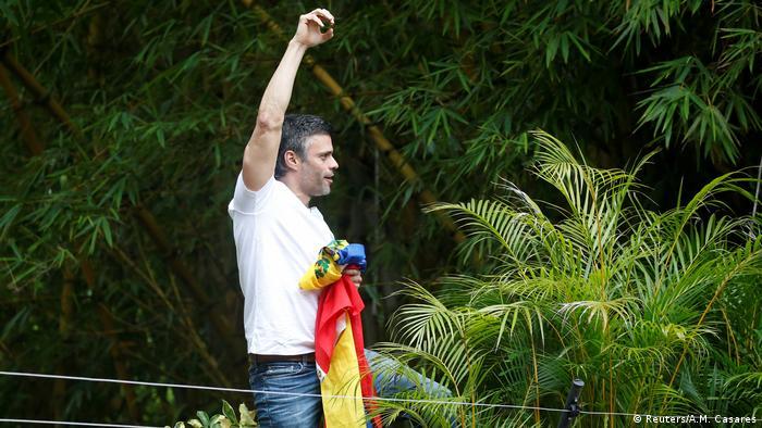 Venezuela Freilassung von Leopoldo López, Oppositionsführer (Reuters/A.M. Casares)