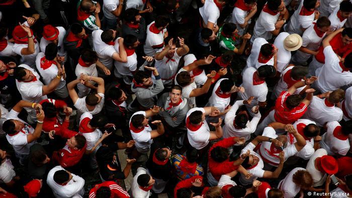 Stierhatz in Pamplona Spanien (Reuters/S.Vera)