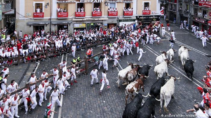 Spanien Pamplona Stierhatz (picture alliance/dpa/R.Jimenez)