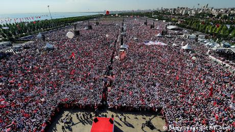 Türkei Protest der Oppositionspartei CHP in Istanbul (Getty Images/AFP/Y. Akgul)