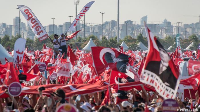 Türkei, nach dem Marsch für die Gerechtigkeit fordert die türkische Opposition Einheit (Diego Cupolo)