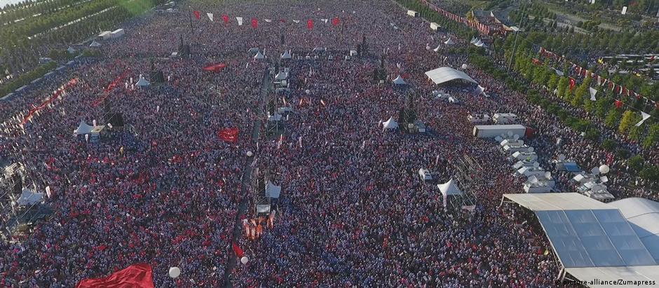 O protesto de domingo em Istambul: mais de 1 milhão de manifestantes, segundo organizadores