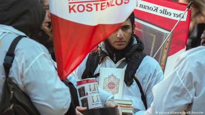 Radikal Selefi ve Vahhabiler Avrupa için tehlike oluşturuyor