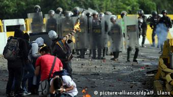 Venezuela Krise in Caracas (picture-alliance/dpa/F. Llano)