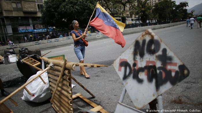 Venezuela Krise in Caracas (picture-alliance/AP Photo/A. Cubillos)