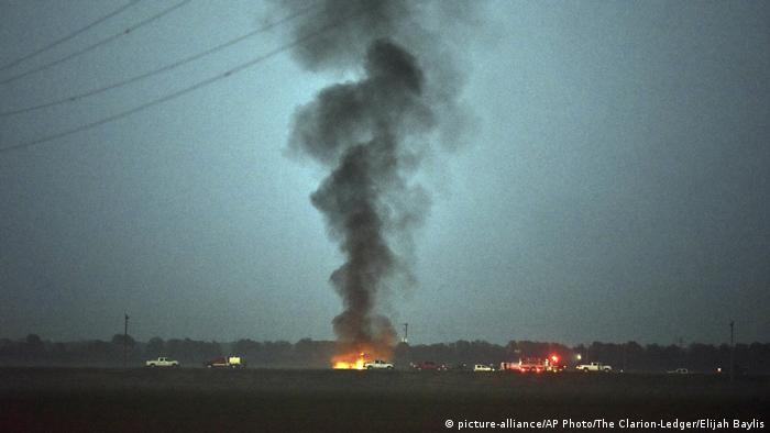 USA Absturz Militärflugzeug bei Itta Bena, Mississippi (picture-alliance/AP Photo/The Clarion-Ledger/Elijah Baylis)