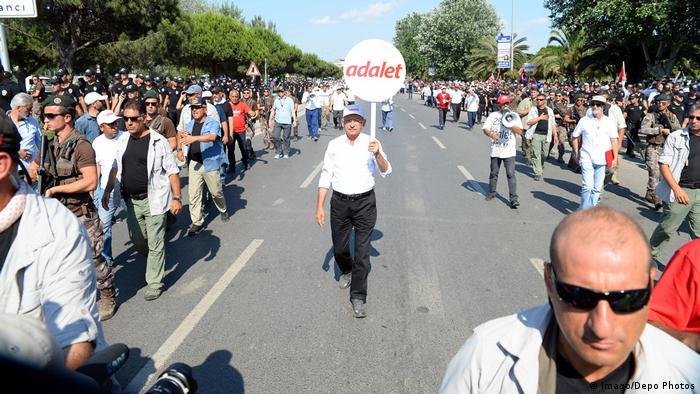 Kılıçdaroğlu Adalet için yürüdü