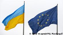 Ukraine and EU flags (Getty Images/AFP/J. Macdougall)