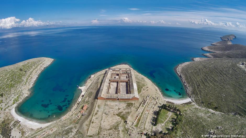 Јарос   од затворски остров до рај за нуркачи