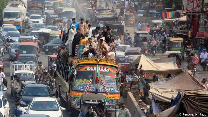 Pakistan Bevölkerung (Reuters/ M. Raza)