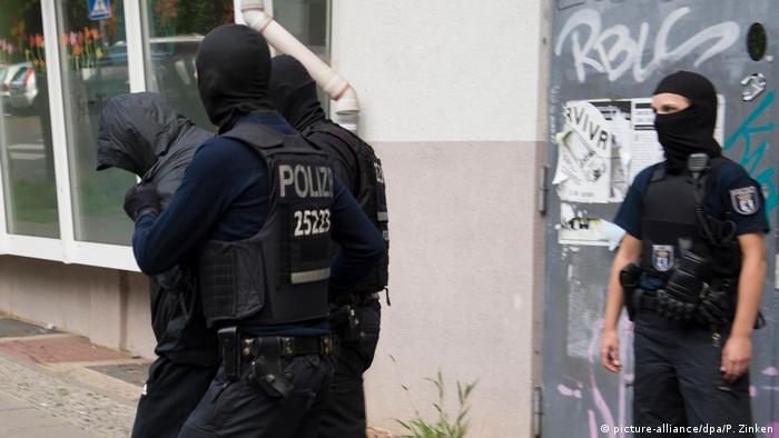 Deutschland Razzia nach Goldmünzen-Diebstahl in Berlin (picture-alliance/dpa/P. Zinken)