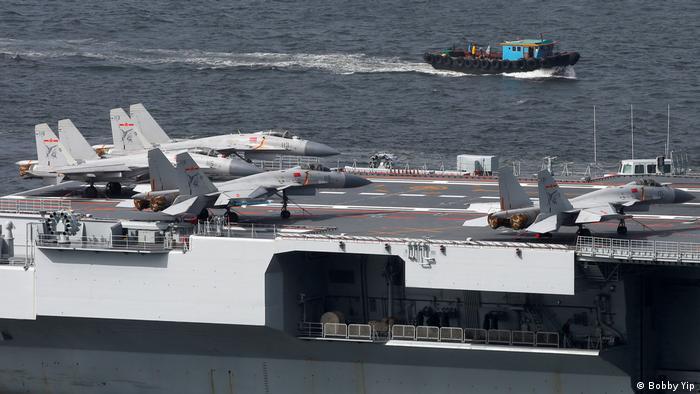 China Hongkong Flugzeugträger Liaoning (Bobby Yip)