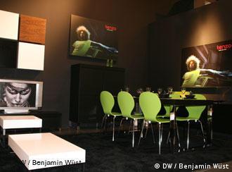 schwarz gr ne zukunft. Black Bedroom Furniture Sets. Home Design Ideas