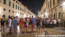 27.06.2018., Croatia, Dubrovnik - Crowds of tourists on Stradun in the evening. Photo: Grgo Jelavic/PIXSELL |