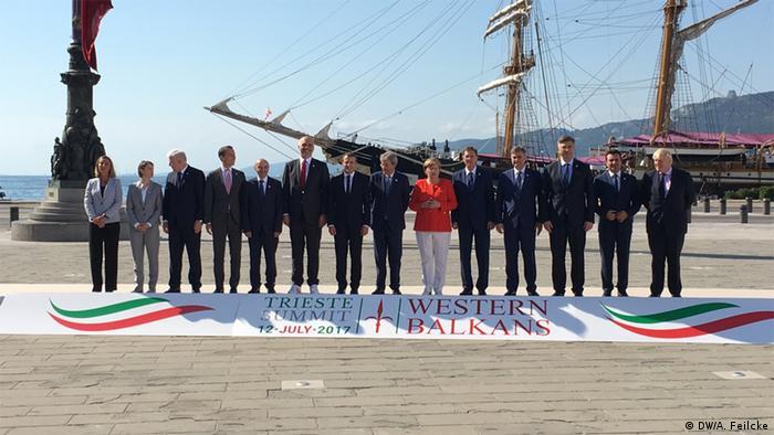 Teilnehmer des Gipfels im Trieste über westlichen Balkan