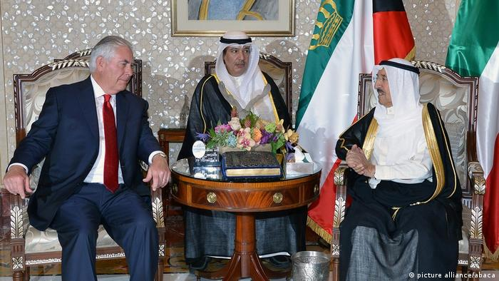 Rex Tillerson in Kuwait (picture alliance/abaca)