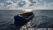 Italien Flüchtlinge auf dem Mittelmeer