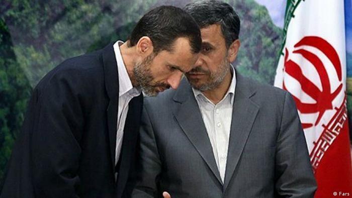 حمید بقایی (چپ)، رئیس پیشین سازمان میراث فرهنگی و سپس معاون اول رئیسجمهور احمدینژاد (راست)