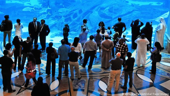 Vereinigte Arabische Emirate Aquarium Atlantis in Dubai (picture-alliance/Global Travel Images)