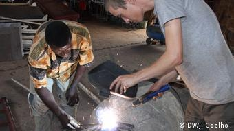 Mosambik Freiwillige Hilfe in der Schreinerei Marrere, Nampula
