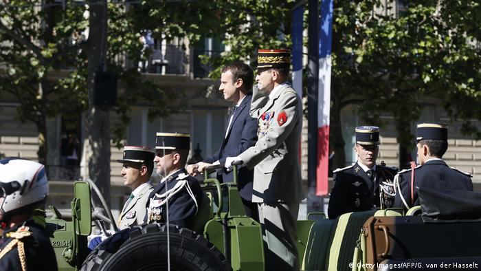 Frankreich Paris Nationalfeiertag Emmanuel Macron (Getty Images/AFP/G. van der Hasselt)