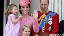 Catherine Herzogin von Cambridge, Prinzessin Charlotte, Prinz George und Prinz William bei der Militärparade Trooping the Colour zu Ehren des Geburtstags der Queen