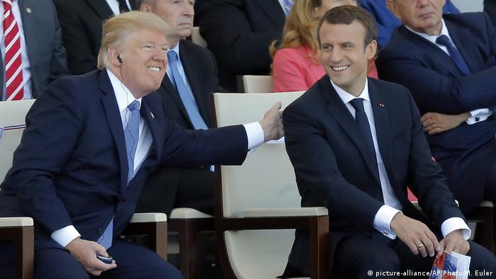 Donald Trump și Emmanuel Macron la parada militară din ziua Căderii Bastiliei, la Paris(picture-alliance/AP Photo/M. Euler)