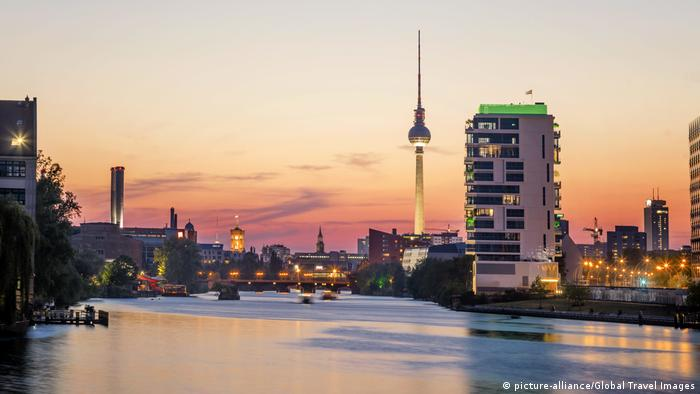 Panorama de Berlim (picture-alliance/Global Travel Images)