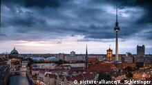Deutschland | Skyline Berlin | Nikolaiviertel Fernsehturm