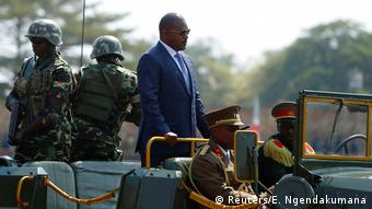Burundi Präsident Nkurunziza arrives for the celebrations to mark Burundi's 55th anniversary of the independence at the Prince Louis Rwagasore stadium in Bujumbura